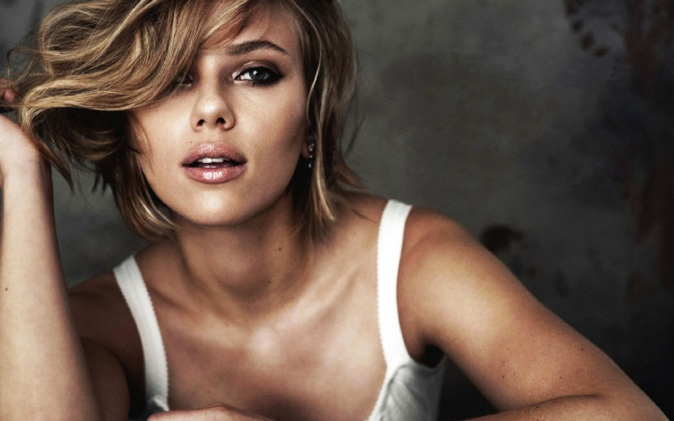 Scarlett_Johansson-high-resolution