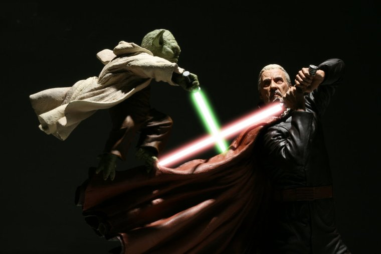 yoda_vs_dooku_by_digitalpimp74.jpg